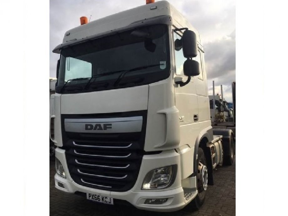 DAF 2016/2017 �66� XF 460.FTP 6 x 2 tractor unit with Space cab. PX66 KCJ